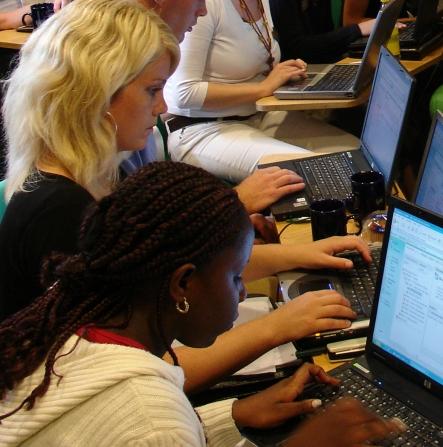 DM students working online