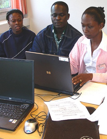 DM students in Ghana working F2F and in virtual, international group rooms